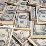 Українці продали на 53 млн доларів в січні більше, ніж купили