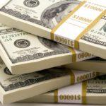 Українці продали в травні валюти на 449 млн доларів більше, ніж купили